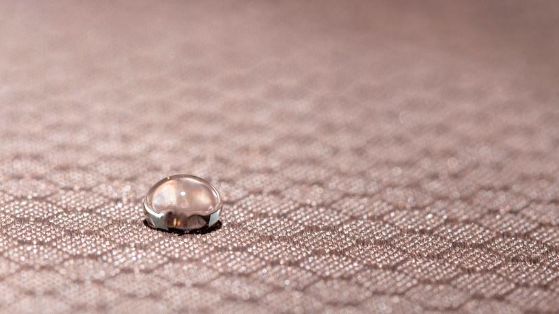 Powstał zupełnie nowy rodzaj wodoodpornych materiałów /123RF/PICSEL