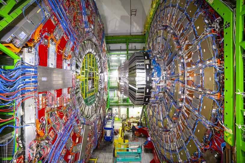 Powstanie akcelerator cząstek znacznie potężniejszy od LHC /123RF/PICSEL