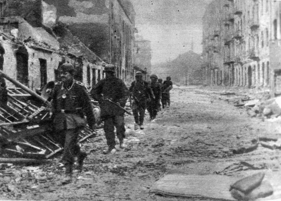 Powstanie Warszawskie. Na zdjęciu: żołnierze niemieccy /CAF /PAP