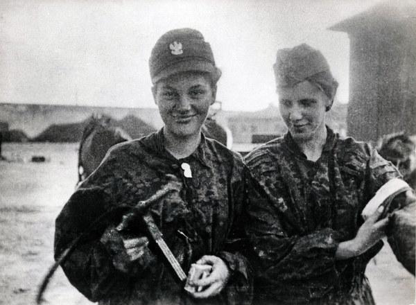 Powstanie Warszawskie, powstańcy i łączniczki