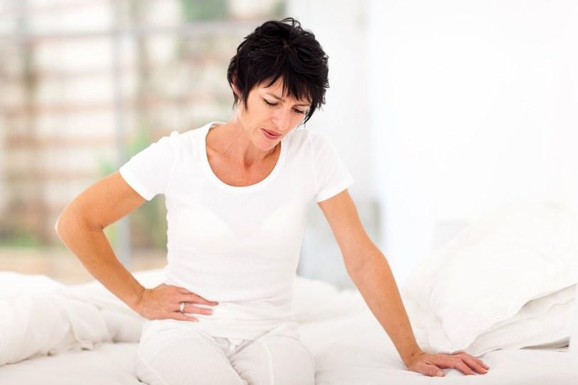 Powszechne dolegliwości bólowe można złagodzić, zażywając środki z ziół i produktów spożywczych /123RF/PICSEL