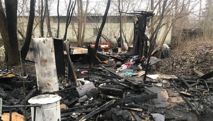 Pożar budynku przy ul. Spedycyjnej w Warszawie. Sześć osób nie żyje