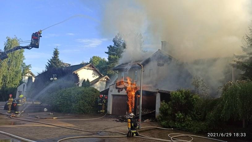 Pożar budynku w Józefosławiu /Mazowiecka Straż Pożarna/Twitter /Twitter