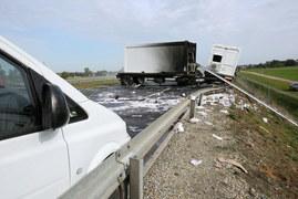 Pożar ciężarówki wojskowej na S8