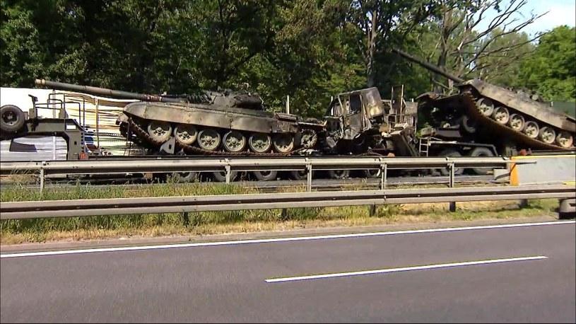 Pożar czołgów na A6; zdjęcie z miejsca zdarzania /Polsat News