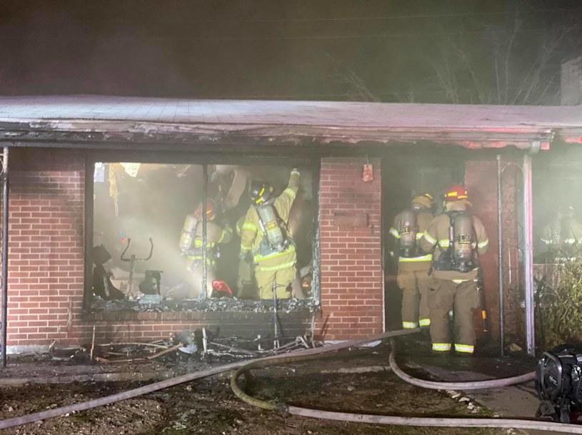 Pożar domu w El Paso /El Paso Fire Department /facebook.com