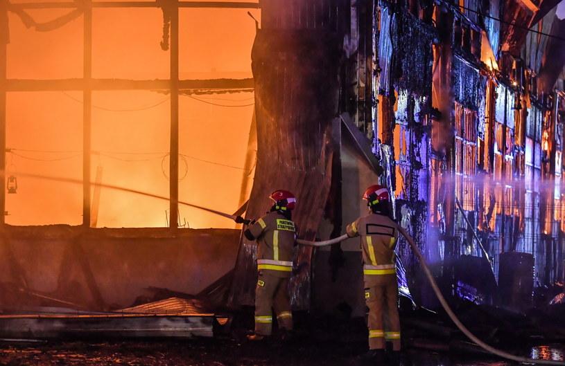 Pożar hal magazynowych przy skrzyżowaniu w Lublinie /Wojtek Jargiło /PAP