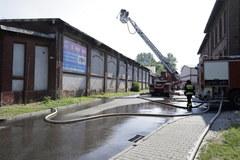 Pożar hali i warsztatu w Chorzowie