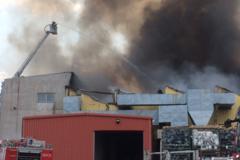 Pożar hali produkcyjnej w Chełstowie