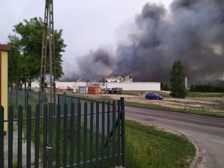 Pożar hali w Skórczu /Gorąca Linia RMF FM /Gorąca Linia RMF FM