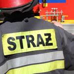 Pożar hali w Straszewach. Dwie osoby są poszkodowane