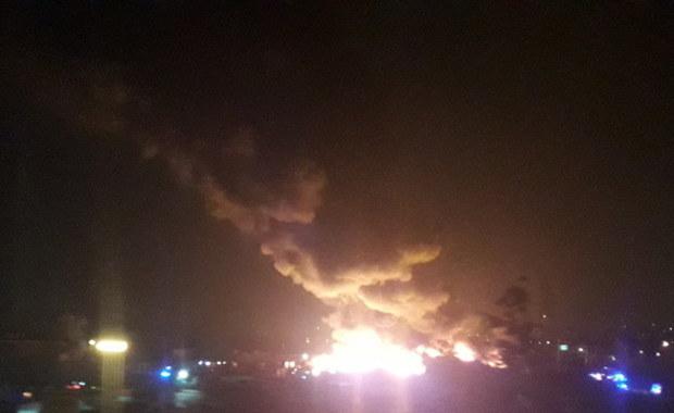 Pożar hali we Wrocławiu. Dogaszanie może trwać kilka dni