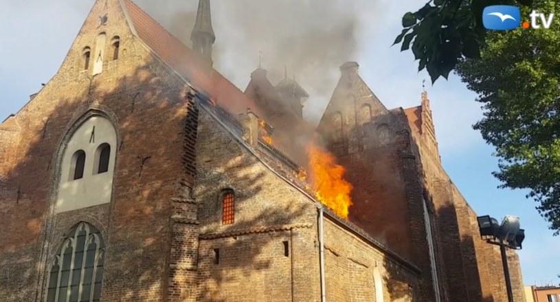 Pożar kościoła św. Piotra i Pawła w Gdańsku /trojmiasto.pl /