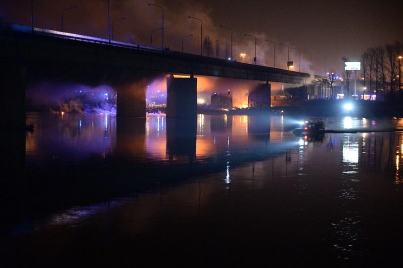 Pożar Mostu Łazienkowskiego w Warszawie /Jacek Turczyk /PAP