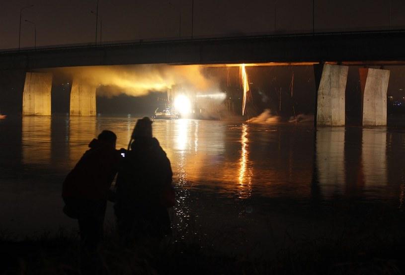 Pożar Mostu Łazienkowskiego /Stefan Maszewski /Reporter