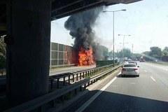 Pożar na A4. Płonie ciężarówka