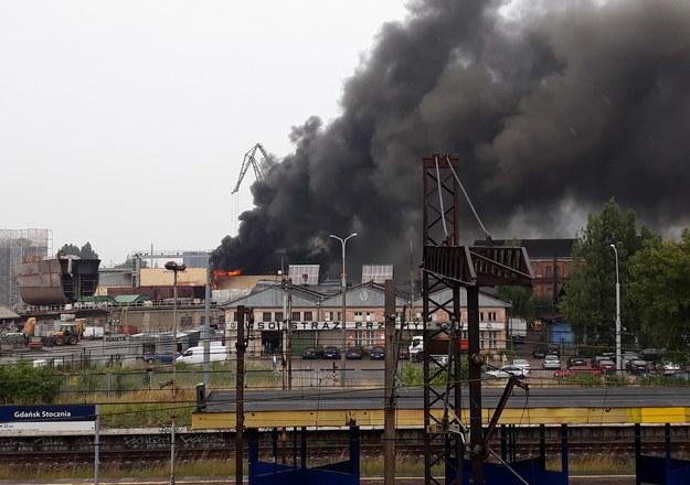 Pożar na terenie dawnej Stoczni Gdańskiej /Gorąca Linia RMF FM /