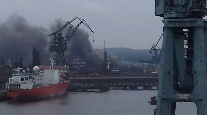 Pożar na terenie Stoczni Gdańskiej /YouTube
