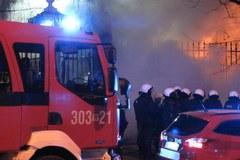 Pożar przed ambasadą Rosji w Warszawie