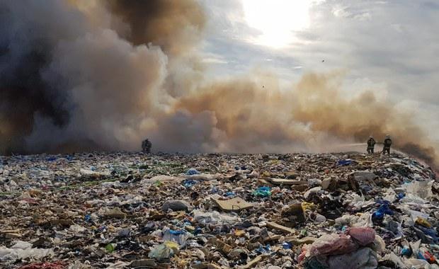 Pożar składowiska odpadów w Łódzkiem