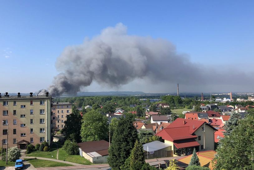 Pożar składowiska opon i innych odpadow w Trzebini /East News
