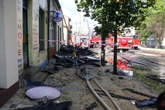 Pożar sklepów w centrum Włoszczowy