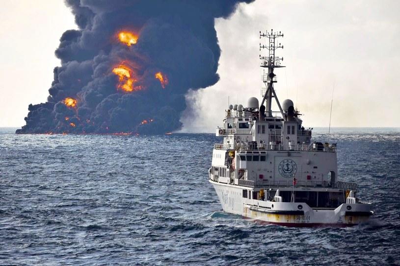 Pożar tankowca Sanchi /Associated Press /East News