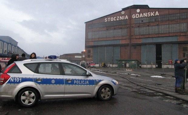 Pożar w b. Stoczni Gdańskiej. Straty szacowane są w milionach