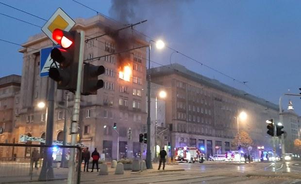 Pożar w centrum Warszawy: Trzy osoby poszkodowane