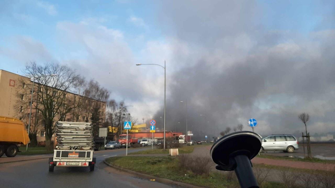 Pożar w hucie szkła w Działdowie. Jedna osoba nie żyje