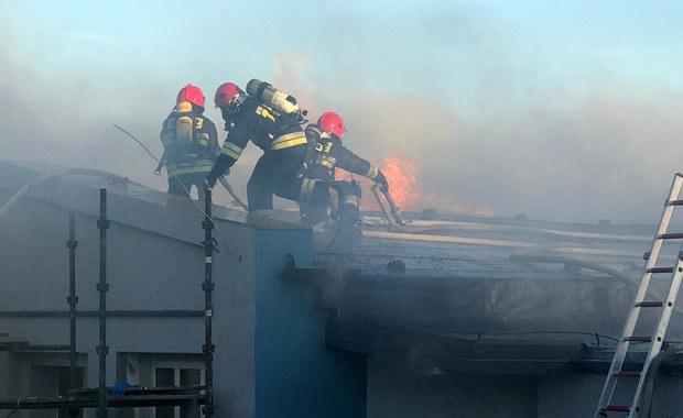 Pożar w Jarosławcu. Spłonął m.in. dach przedszkola
