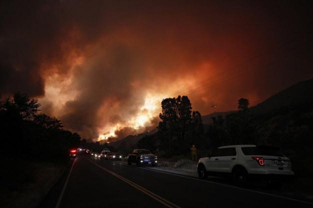 Pożar w  Lake Hughes /ETIENNE LAURENT /PAP/EPA