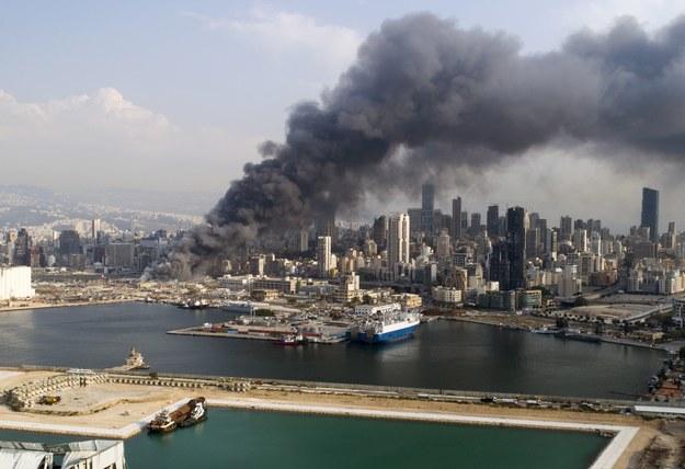 Pożar w porcie w Bejrucie /WAEL HAMZEH /PAP/EPA