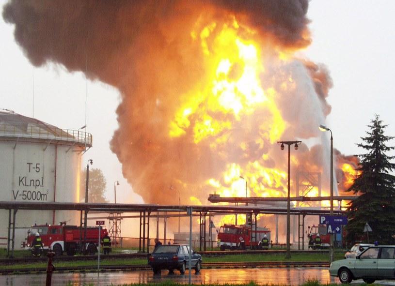 Pożar w Rafinerii Trzebinia. Rok 2002 /East News