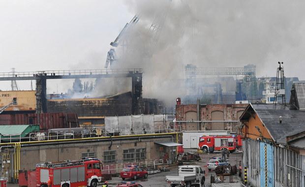 Pożar w stoczni Nauta w Gdańsku. Niewykluczone, że obiekt trzeba będzie rozebrać