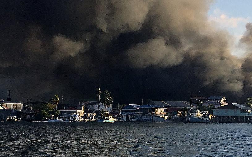 Pożar wyspy Guanaja /AFP