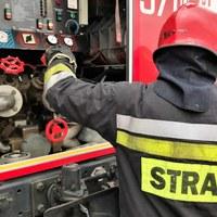 Pożar wysypiska śmieci w Kobiernikach. Akcja straży pożarnej