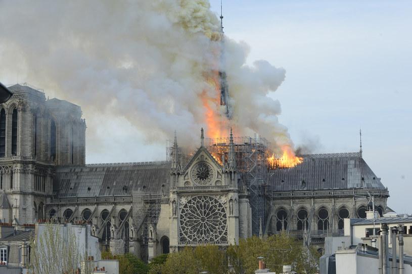 Pożar zaczął się na dachu katedry Notre Dame /Getty Images