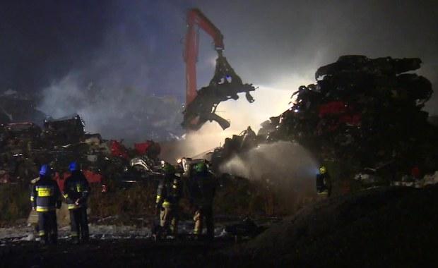 Pożar złomowiska w Tarnowskich Górach ugaszony