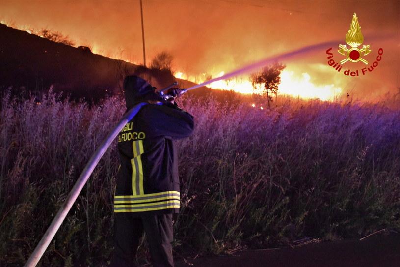 Pożary lasów na Sycylii /PAP/EPA/VIGILI DEL FUOCO HANDOUT /PAP