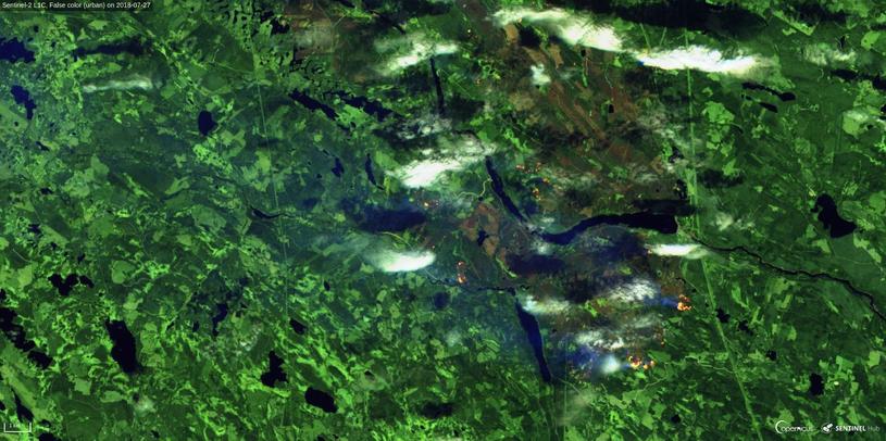 Pożary lasów w północnej Szwecji z 27 lipca 2018 z satelity Sentinel 3. Fot. Sinergise, ESA /materiały prasowe