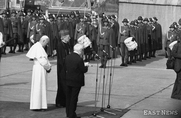 Pożegnanie Jana Pawła II na lotnisku w Balicach - 10 czerwca 1979 r. /Jan Zdziarski /East News
