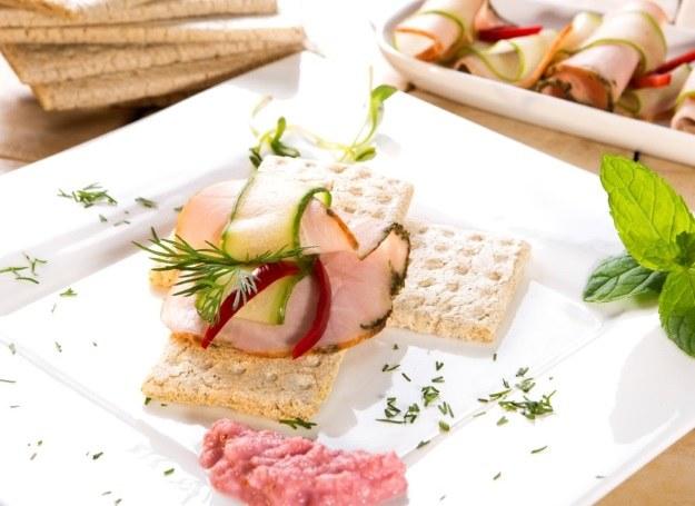 Poznaj przepis na lekką i smaczną kolację! /materiały prasowe