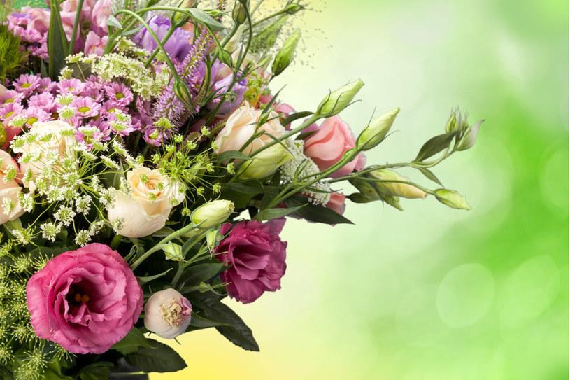 Poznaj sposoby, które przedłużą życie ciętych kwiatów /123RF/PICSEL