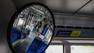 Poznań: Zderzenie autobusu miejskiego z osobówką