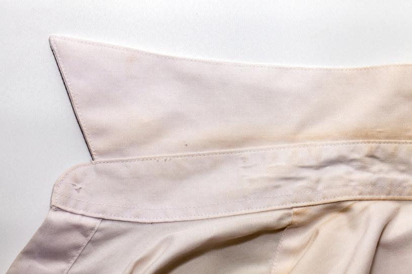 Pożółkłe tkaniny? Możesz im nadać nieskazitelną biel! /123RF/PICSEL