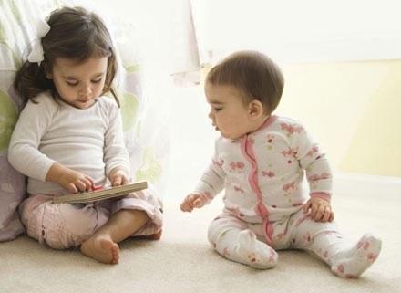 Pozwalajcie dzieciom od czasu do czasu na chwile samotności /ThetaXstock