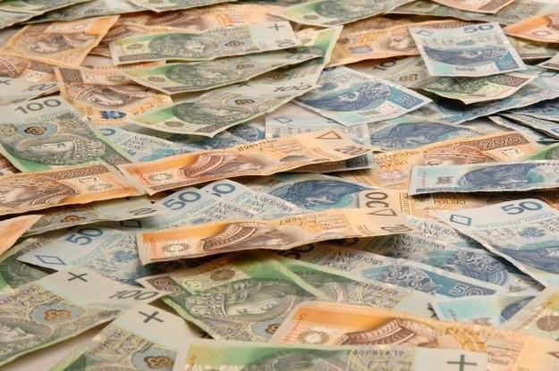 Pożyczka jest droższa, a więc raty miesięczne będą wyższe /© Bauer