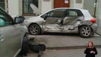 Pożyczonym autem rozbił dwa samochody. Właścicielka pojazdu chciała wyręczyć policję