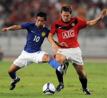 Pozyskanie Owena (z prawej) to dopiero początek zmian w Man Utd /AFP